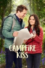 Film Polibek pod jehličím (Campfire Kiss) 2017 online ke shlédnutí