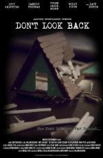 Film Zdánlivé bezpečí (Don't Look Back) 2014 online ke shlédnutí